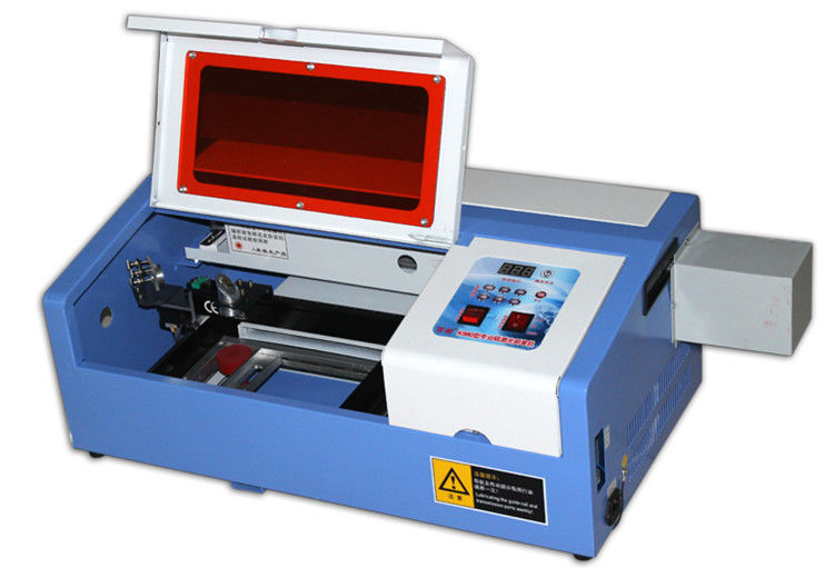 Tabletop Laser Cutting Emgraving Machine For Acrylic / Wood / Double Color Board